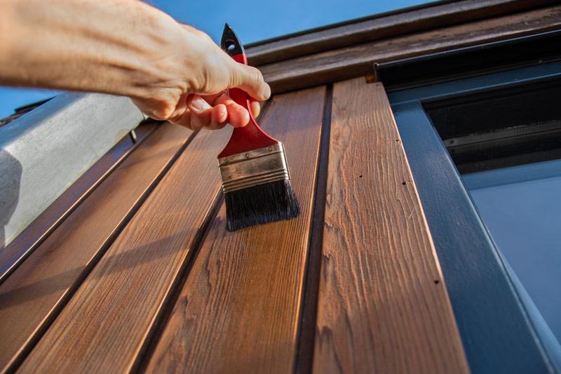 Drewno na elewacji domu musi być odpowiednio zabezpieczone